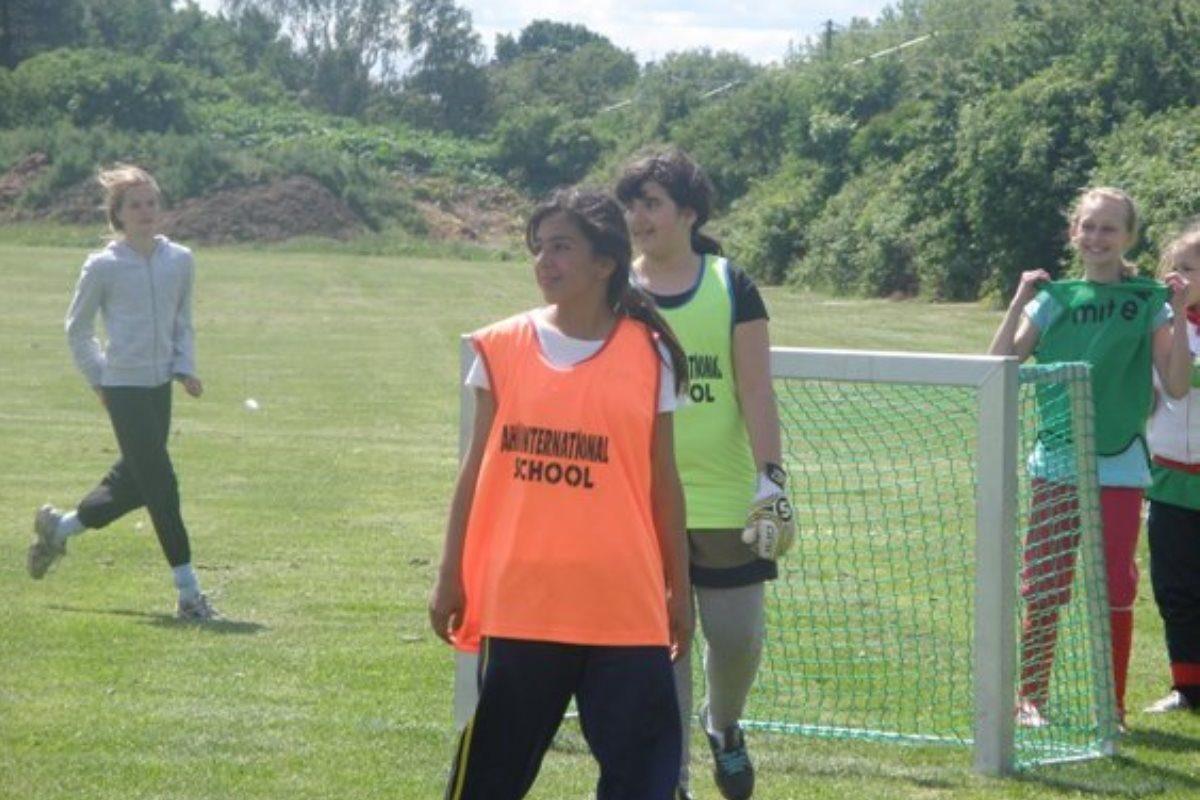 20090603_fodbold_piger_016
